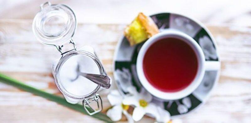 Tee lindert die Schwellung.