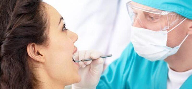 schmerzendes zahnfleisch beim zahnarzt behandeln